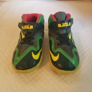 Nike LeBron James 6 Girl's shoes size 8c